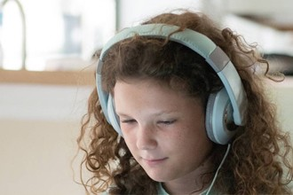Abusar de las pantallas merma el desarrollo cognitivo de los niños