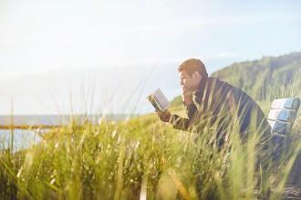 Biblioterapia: leer nos hace más felices